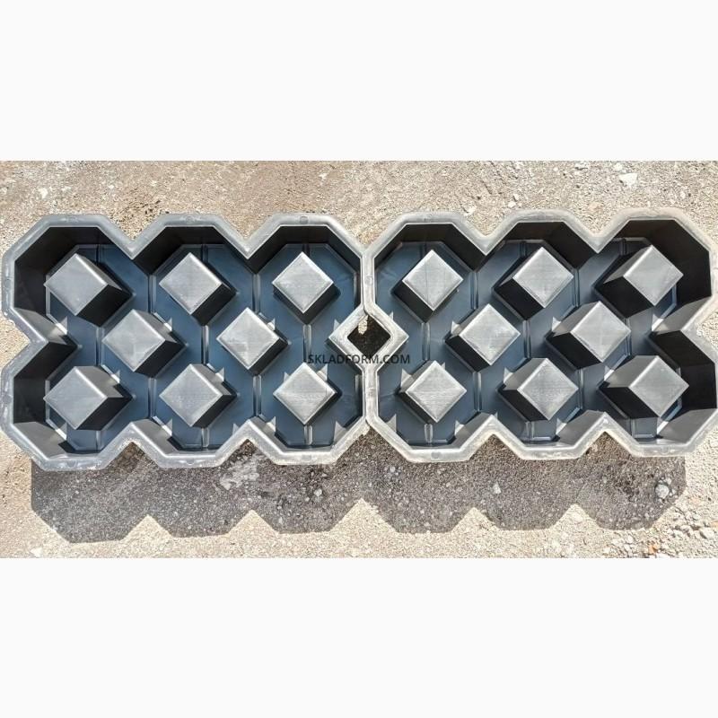 Фото 3. Форма для тротуарной плитки решетка газонная под траву