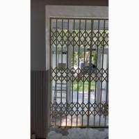 Раздвижные решетки металлические на окна, двери, витрины. Производство и установка Одесса